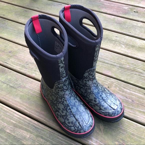 bd13c38e0 Bogs Shoes | Boys Black Skull Snow Rain Boots | Poshmark